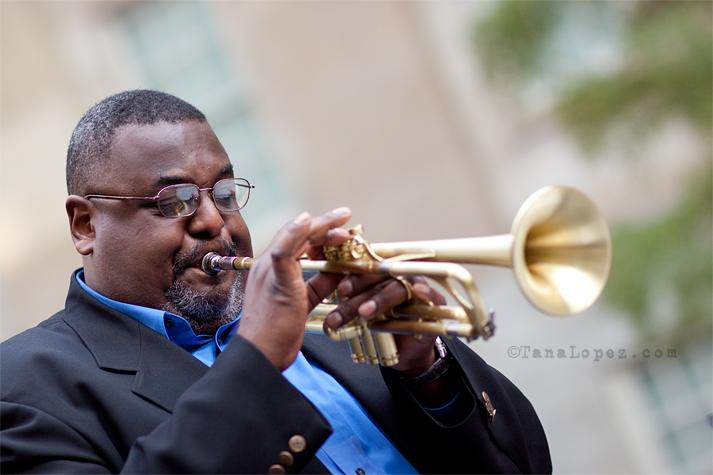 8908-tom-williams-trumpet-fb